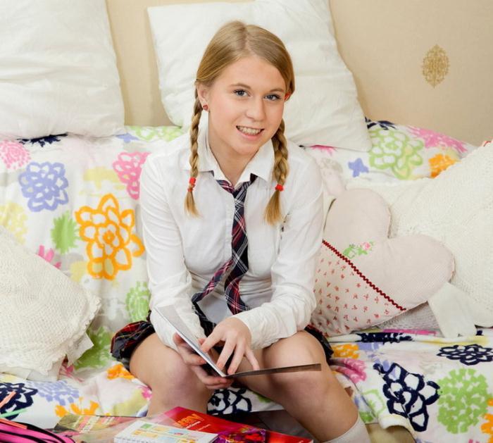 Serina - А Talented Schoolgirl (2020) [FullHD/1080p/WMV/2.67 GB] by Utrodobroe