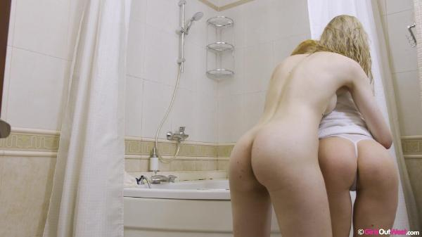 Girls Out West – Cherry A And Viktoria Tongue Bath