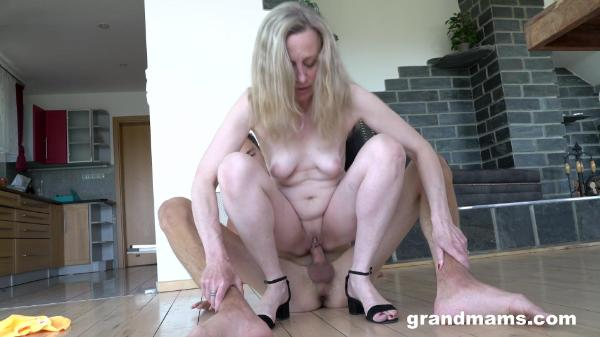 Grand Mams – Renate A Long Cock For A Short Granny