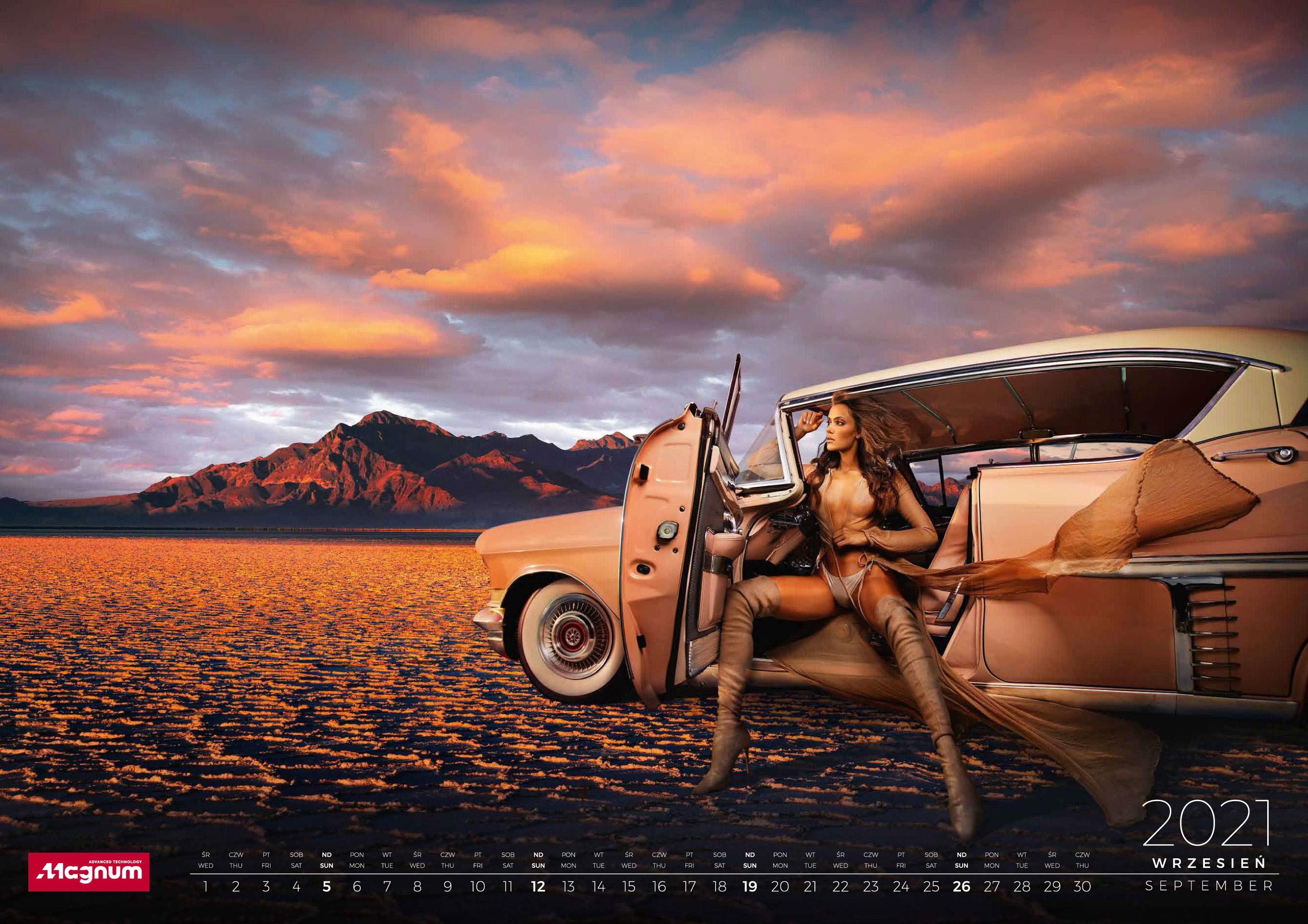 календарь с девушками и автомобилями на 2021 год / сентябрь
