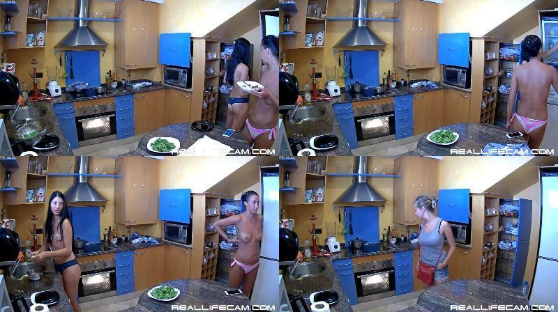178272073 0532 spy irma ilona and polya naked in kitchen   spy sex voyeur - Irma, Ilona And Polya Naked In Kitchen - Spy Sex Voyeur / Nude SpyCam Girls