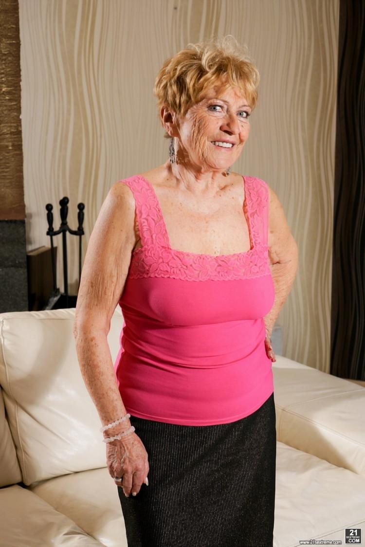 Malya, Rob - Granny's Pleasure (Lusty Grandmas/21Sextreme/21Sextury) FullHD 1080p